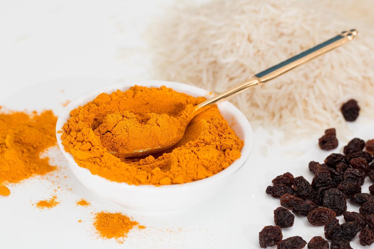 Health Benefits of Turmeric Milk in Marathi